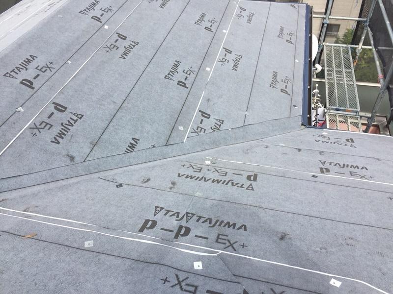 外壁の塗装 川崎市高津区住宅塗りかえ工事 屋根リフォーム施工中