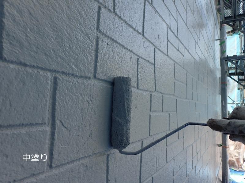 川崎市の外壁塗装 外壁の上塗り