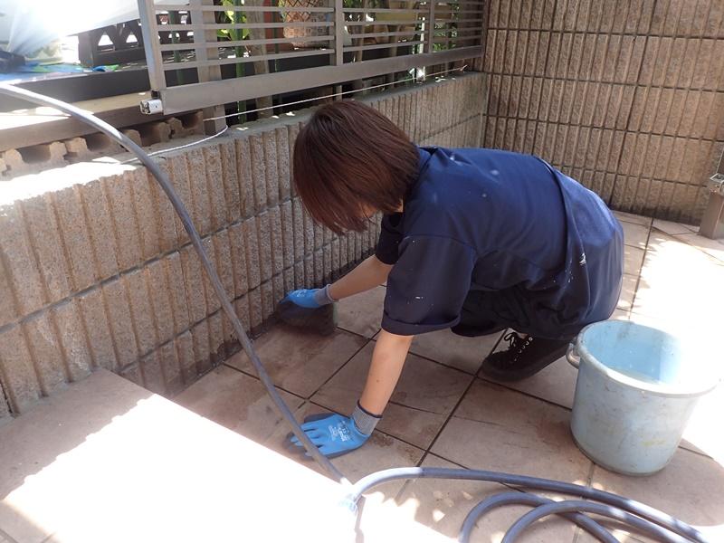 外壁の塗装 川崎市高津区住宅塗りかえ工事 リシン外壁塗装 タイル玄関洗浄