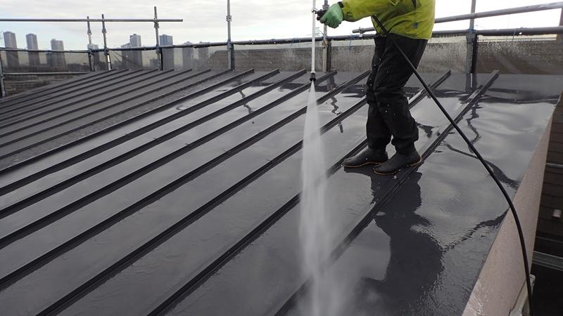 川崎市中原区ジョリパット 外壁塗装 屋根ガイナ塗装前洗浄 ジョリパットとは