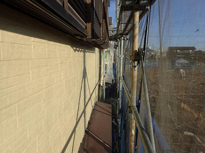 川崎市、東京都、横浜市の外壁塗り替え専門店 佐藤塗装店のサイディング外壁と屋根葺き替え工事 ダイナミックトップ上塗り