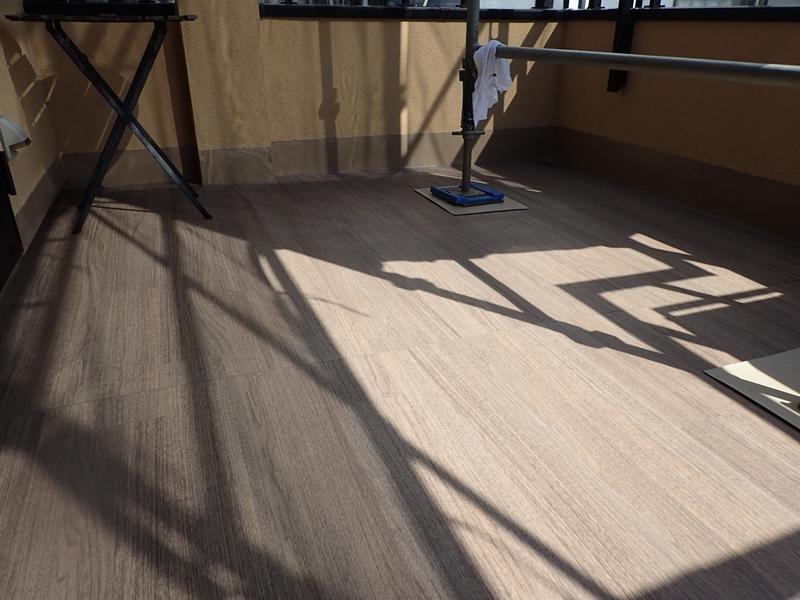 川崎市、横浜市、東京のジョリパット塗り替え専門店 佐藤塗装店の外壁塗装 ベランダ長尺シート 防水