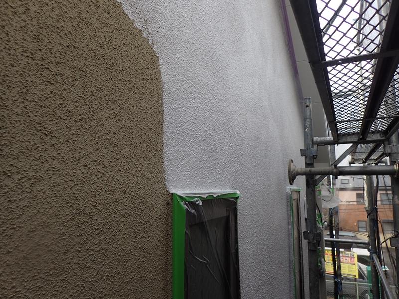 川崎市 、横浜市、 東京都 ジョリパット 塗り替え 外壁塗装  杉並区 住宅 下塗りの様子