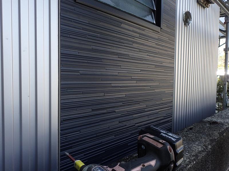 金属サイディング ガルスパン×シャドーライン 外壁塗装