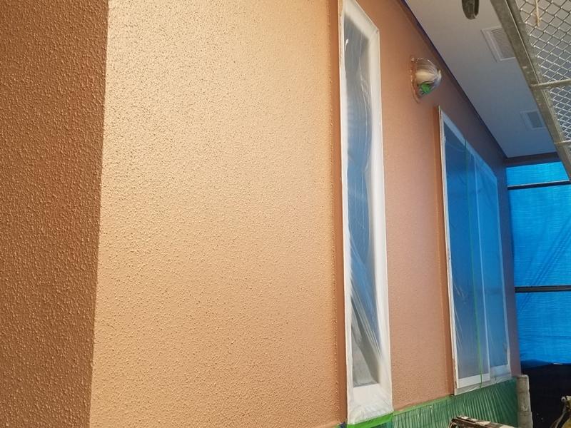 ダイナミックMUKIリシン外壁の塗り替え 神奈川県川崎市高津区住宅の外壁塗装 ダイナミックMUKI上塗り