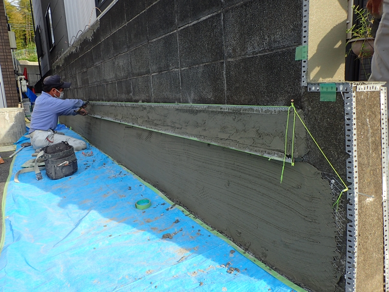 ブロック塀塗装 大谷石の補修工事とジョリパット仕上げ「校倉」大谷石下地処理補修