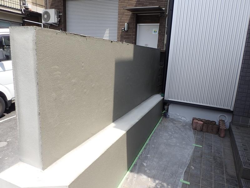 ブロック塀塗装 大谷石の補修工事とジョリパット仕上げ「校倉」ブロック塀下地処理補修