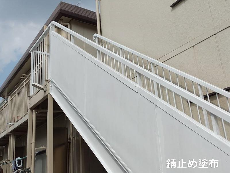 タキステップMWと廊下長尺シートの施工 塗装工事